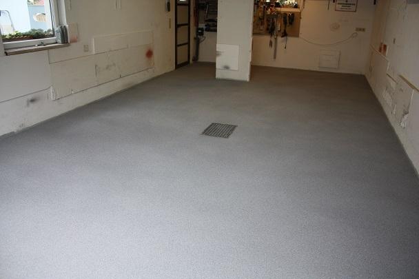 garagenboden bodenbeschichtung bodenbelag f r garagen industrieboden steinteppich kunstharzboden. Black Bedroom Furniture Sets. Home Design Ideas